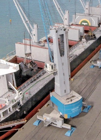 Spanish Port Operator Noatum adds another  Konecranes Gottwald Mobile Harbor Crane to its fleet