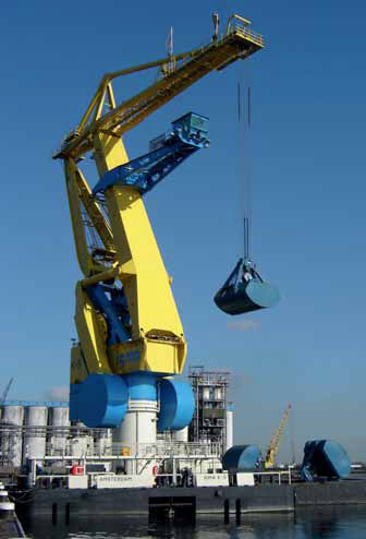 Floating cranes: reliable and flexible