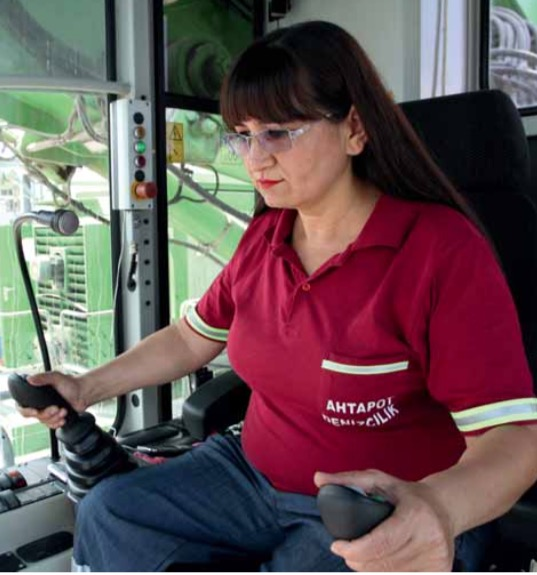 Strong material handler for strong women in Turkey