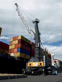 South Port orders Liebherr mobile harbour crane