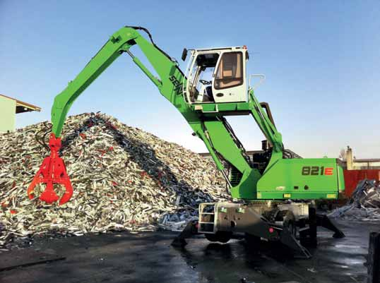 First SENNEBOGEN 821 E-Series in France: scrap handling at Eurometal